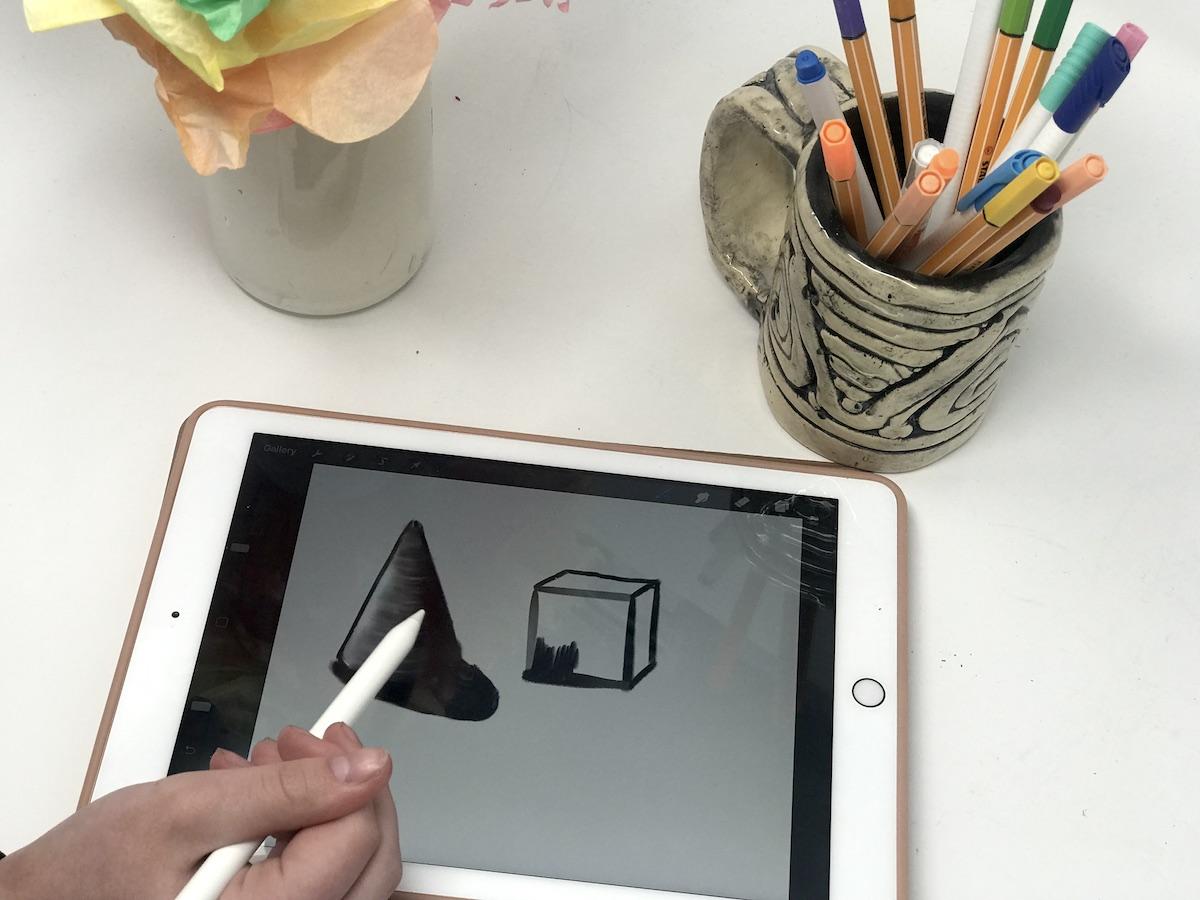 8 Ways To Make Art Better Using Technology The Art Of Education University