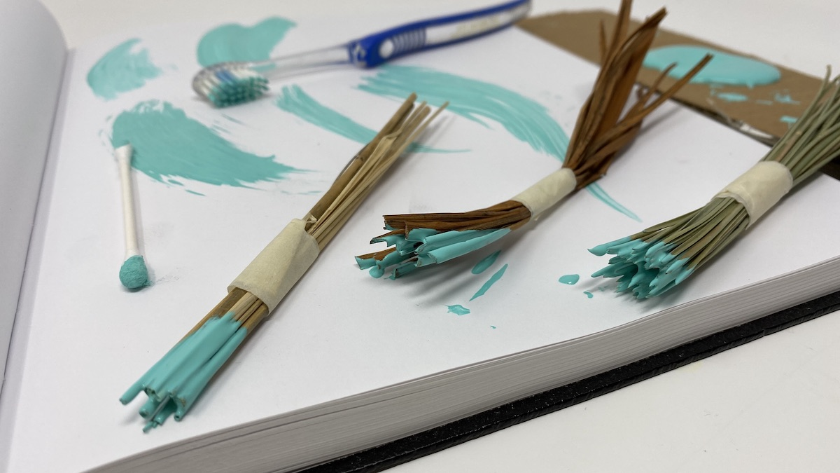 paintbrushes made of natural materials