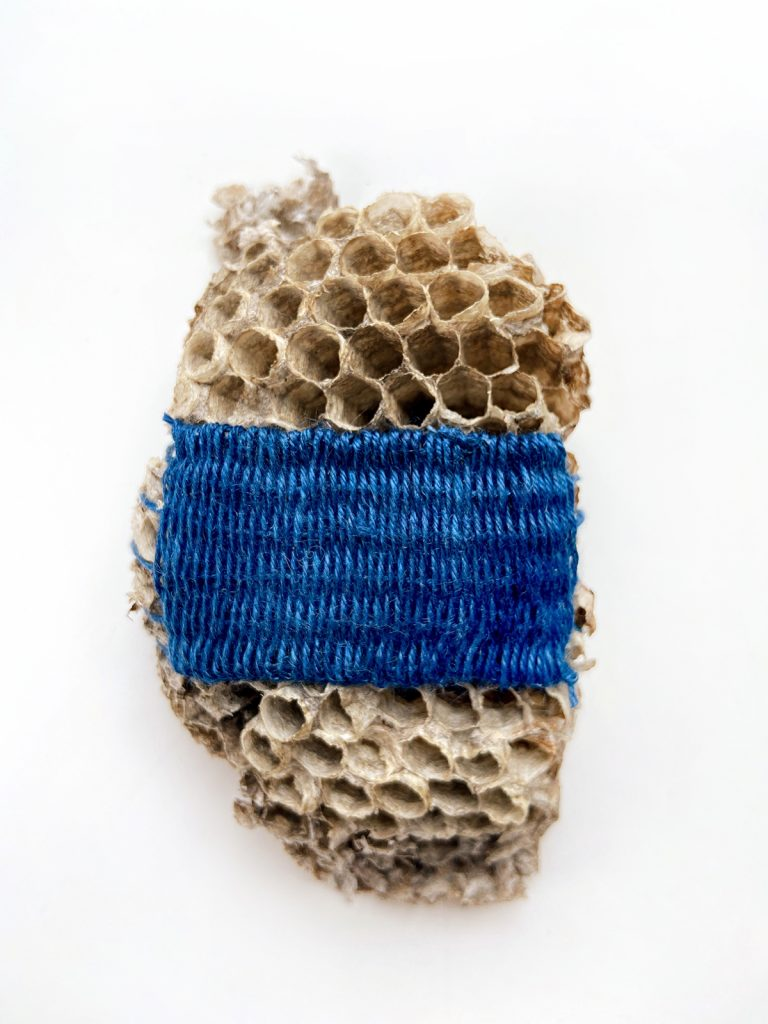 weaving on a hive